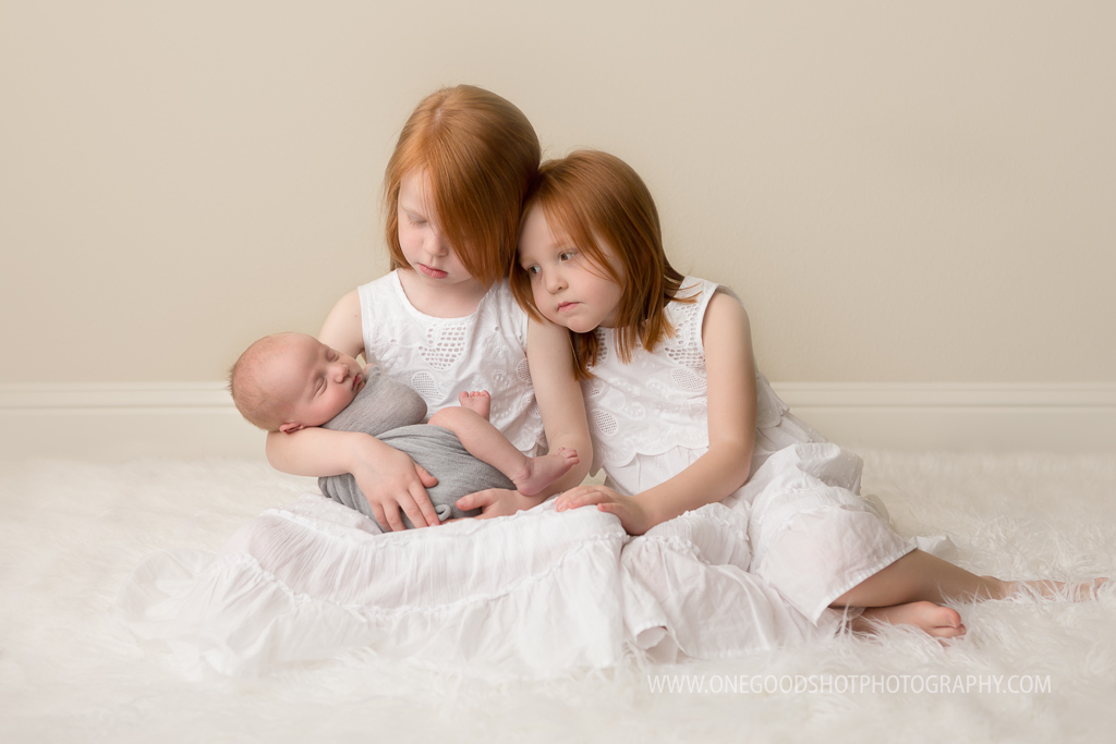 Newborn photography fresno clovis ca sisters siblings baby brother